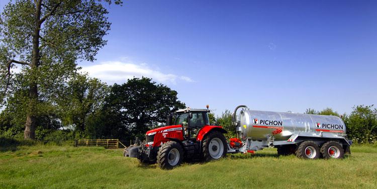 Pichon & Tractor